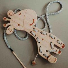 Montessori-Schnürspielzeug Giraffe, Handgefertigtes Holzspielzeug, Kaspi Land